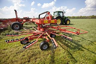 Ervaren agrocoaches begeleiden agrariers (boeren, landbouwers, varkenshouders, melkveehouders) op het gebied van bedrijfsontwikkeling, samenwerking en bedrijfsovername